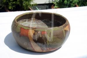 built up ceramic bowl with glaze by Christina Jarmolinski