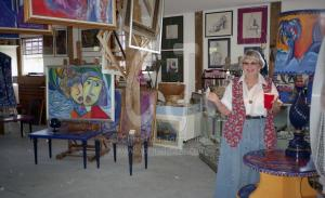 Elaine Hayse, gallery owner in Ft. Mers, FL. © Christina Jarmolinski