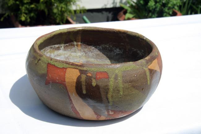 built up ceramic bowl with glaze by Christina Jarmolinski